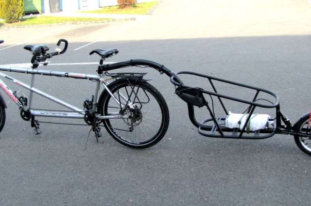 E-trailer and tandem